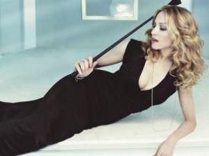 Madonna, noua imagine a colecţiei primăvară / vară 2009 Louis Vuitton