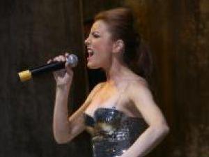 Elena Gheorghe a cerut 1.950 de euro pentru aproximativ jumătate de oră de cântat