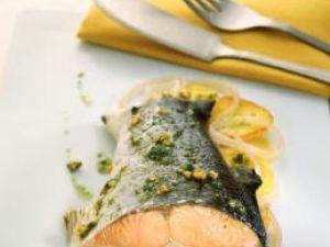 Consumul regulat de peşte asigură un aport de acizi graşi necesar pentru funcţionarea sănătoasă a creierului. Foto: CORBIS
