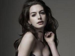 Anne Hathaway va prezenta gala premiilor Oscar din 2011