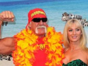 Hulk Hogan s-a căsătorit pe o plajă din Florida