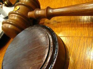 Condamnare: Preotul din Văşcăuţi, doi ani cu suspendare