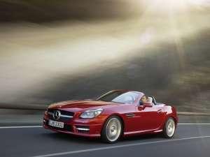 Mercedes SLK, decapotabilă sport cu sistemul unic Magic Sky