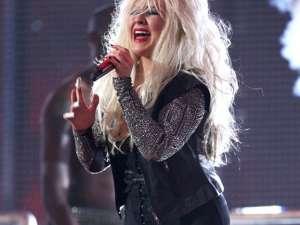 Christina Aguilera şi-a şocat fanii cu un nou aspect fizic