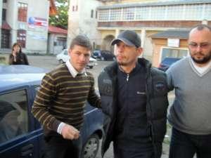 Ovidiu Rusu a fost prins ieri, la Iaşi, şi adus sub escortă în arestul Inspectoratului de Poliţie Judeţean (IPJ) Suceava
