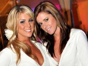 Jessica Donaldson (dreapta) împreună cu o prietenă