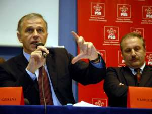 Geoană: Din păcate, acest partid, atâta vreme cât este condus din umbră de Iliescu şi Năstase nu are vreo şansă de reformare. Foto: MEDIAFAX