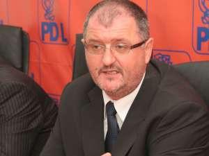 Orest Onofrei a reuşit să-şi păstreze funcţia de secretar al Senatului României