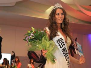 Andreea Chiru, din Brăila, a fost desemnată Miss World România 2013