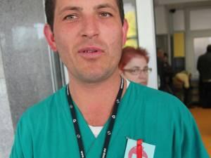 Angajaţii din Sănătatea suceveană vor să poarte cocardele în piept până în ziua marşului de la Bucureşti
