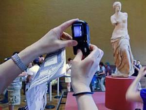 Oamenii se bazează pe tehnologie, pentru ca aceasta să îşi amintească în locul lor Foto: CORBIS