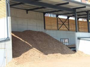 Firma Bioenergy nu mai poate consuma nici un metru cub de masă lemnoasă, întrucât furnizorul a pus sechestru pe materia primă
