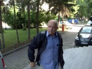 Procurorul Dumitru Dîmbu se afla în concediu şi fusese plecat în Turcia, iar în Suceava revenise abia sâmbătă după-amiază