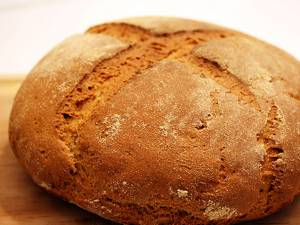 """""""O pîine rumenă şi frumoasă..."""""""