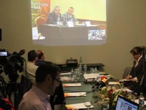 Conferinţa de presă organizată în paralel la Suceava și la București