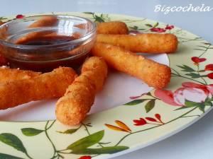 """Grisine"" de pui cu caşcaval. Foto: bizcochela.blogspot.com"