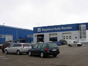 Înghesuială la Registrul Auto Român