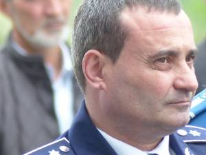 Comisarul-şef Dorel Aicoboae, inspectorul-şef al IPJ Suceava, a ieşit şi el la pensie, deşi era împuternicit la comanda poliţiei judeţene până la finele anului
