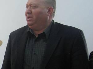 Mihail Cîrlan este acuzat că a atribuit societăţilor administrate de soţia sa contracte în sumă de aproape 350.000 de lei