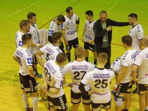 Antrenorul Adrian Chiruţ vrea să ţină jucătorii într-o formă apropiată de cea din meciurile oficiale