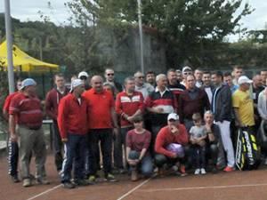 Fotografia de grup de la finalul competiţiei de anul trecut
