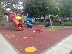 Pe strada Amurgului din Burdujeni va fi amenajat cel mai mare spațiu de joacă pentru copii din Suceava