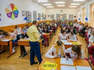 """Ziua Europei, la Colegiul Naţional """"Eudoxiu Hurmuzachi"""" din Rădăuţi"""
