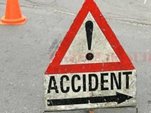 Accident provocat de un şofer beat care a fugit de la locul faptei