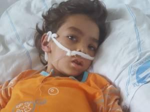 În urma eforturilor depuse de medicii suceveni fata a început să respire singură şi să deschidă ochii, însă veştile bune se opresc aici - fata este paralizată