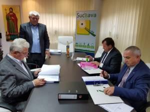 Obligațiile noului operator de salubrizare menajeră a Sucevei, în primul an