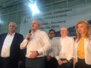 Mii de oameni l-au întâmpinat pe Liviu Dragnea la mitingul de la Dumbrăveni