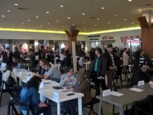 Peste o mie de suceveni şi-au căutat un job la Bursa locurilor de muncă pentru absolvenţi
