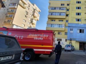 Doi soți au chemat ambulanța după o acțiune de deratizare într-un bloc din Suceava