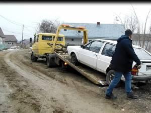 Ridicarea maşinilor abandonate în municipiul Suceava, reluată în forţă în 2020