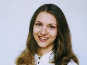 """Ana Maria Marcu, studentă la Universitatea Cambridge: """"Examenele de final de an vor fi cel mai probabil înlocuite cu teste virtuale"""""""