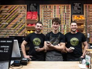 Trei băieți și un espresso