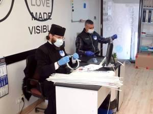 Viziere pentru personalul medical de la Fălticeni