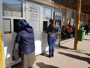 Elevii vor circula gratuit cu transportul local și cu trenul