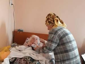 Vasile Bolohan și Andrei Bacoș au început o campanie de strângere de bunuri pentru bătrânii de la Solca și Bogdănești