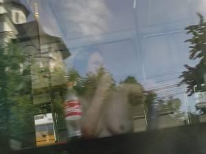 Femeie goală în autobuzul TPL care a circulat luni pe linia 2, din Suceava