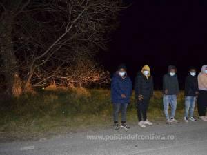 Patru bărbați și o femeie din Eritreea și Afganistan, depistați în apropiere de Straja