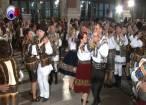 Peste 500 de artişti şi iubitori de folclor au însufleţit vineri seară Gara din Burdujeni, la Balul gospodarilor
