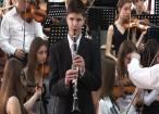 """Alexandru Cozaciuc, băiatul orb care cântă la 16 instrumente. """"Când începea să cânte, nici nu se mai respira"""""""