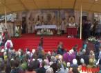 Pelerini din ţară şi străinătate, la marea sărbătoare de la Sanctuarul Marian de la Cacica